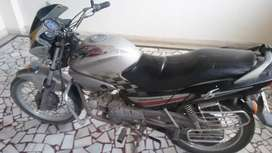 Single hand drive in very good condition owner can't kick the bike