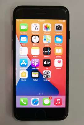 Iphone 8 64gb, Officially Unlocked Pta Approved