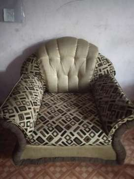 Only 2 chair for  sofa