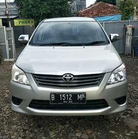 Toyota Kijang Innova 2.5 E Diesel MT Th 2012 Silver Tg 1 Istimewa Skli