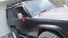 Dijual jeep trooper diesel 4x4