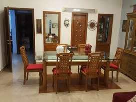 Dha 500 yards 5bed Furnished Bungalow for rent on short term