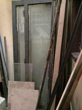Bongkaran kaca ruko 4mtr lengkap kaca 5milli Dan tiang aluminium