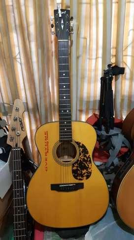 Bantu temen aja nih ada gitar Cort LV 300.