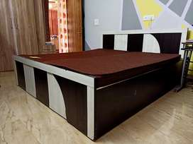 King Size Bed. Fully made of ply. Wuth bed box.