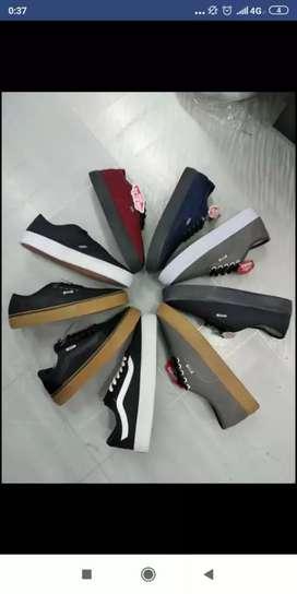 Sepatu sneaker pria/wanita(BARANG SAMPAI BARU BAYAR)