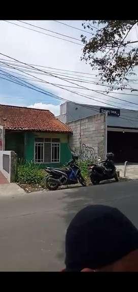 Dijual tanah dan bangunan di pinggir jalan, SHM, Nego