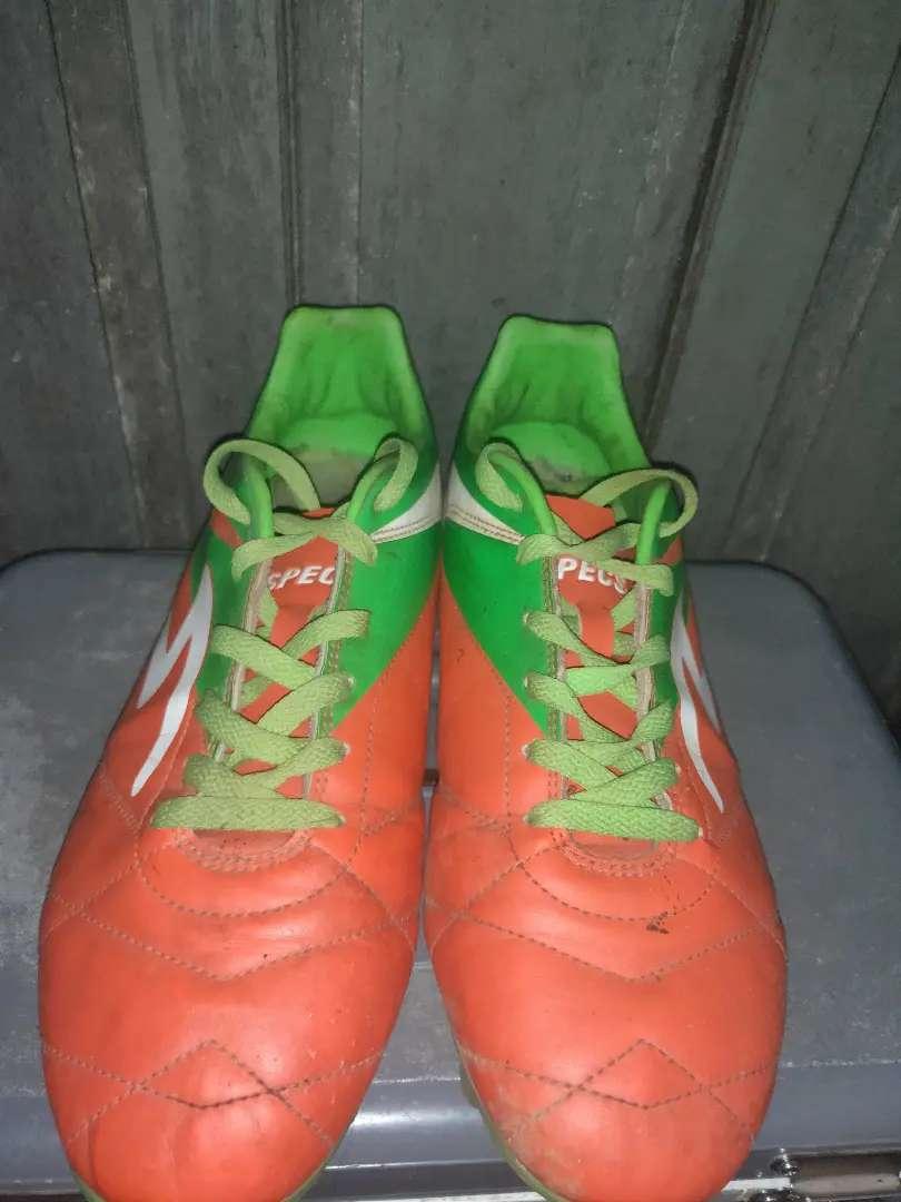 Dijual Sepatu Bola kondisi Mantul Harga pas 0
