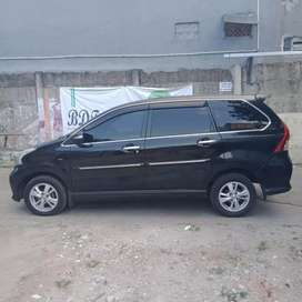 Mobil Avanza Veloz A/T 1.5 Hitam Mobil Kesayangan