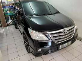 Toyota innova/inova 2.0 bensin G luxury manual/MT hitam 2015 low km