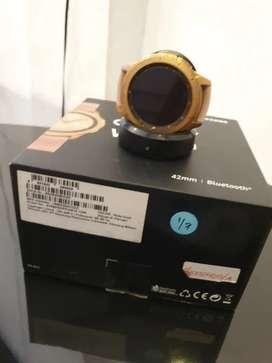 Samsung galaxy watch 42 mm, warna golf mewah