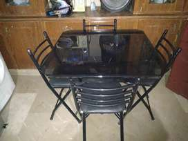 GOOD CONDITION DINING TABLE WITH 4 CHAIRS FOR SALE