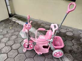 Sepeda Anak Roda Tiga Family