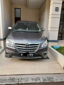 Kijang innova V lux at 2014 bensin at