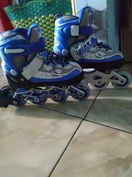 Sepatu Roda anak bekas