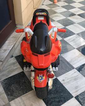 Battery operated toy motorcycle/scooter for Kids