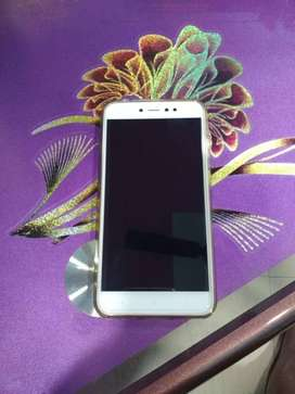 June 2018 Redmi Y1 3-32 Gb in good condition with bill,