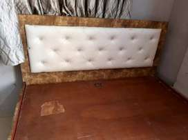 Double Bed (6 X 5)