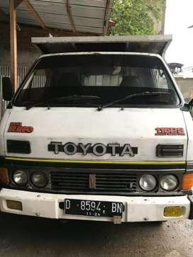 Dijual Truk Engkel Toyota Dyna Rhino tahun 1994