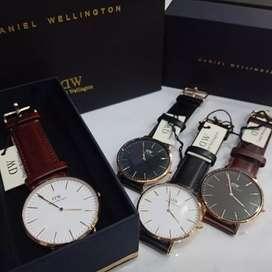 [TERLARIS] Jam Tangan Pria DANIEL WELLINGTON/DW CLASSIC