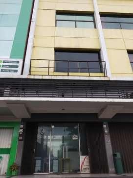 Sewa dan jual ruko tangcity (3 lantai),terminal tanah tinggi,cikokol