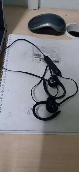 Toshiba wireless headset
