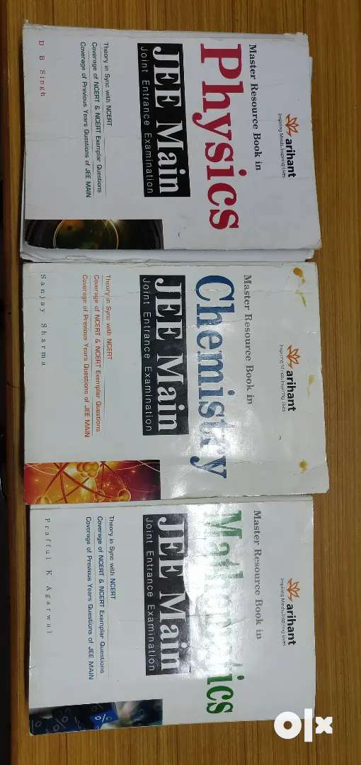 Arihant Master resource book In Physics , Chemistry and Mathematics 0