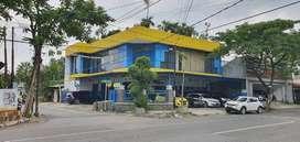 Barata Jaya - Bangunan Komersial Siap Pakai, Hadap Jalan Raya
