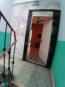 1/2 Flatmate reqd for a 3 BHK flat in good location with all amenities