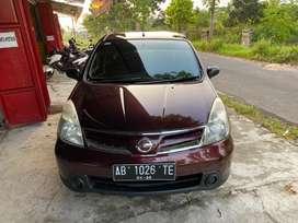 Nissan grand livina 2011 mt