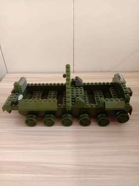 Mainan Bongkar pasang Model Mobil militer