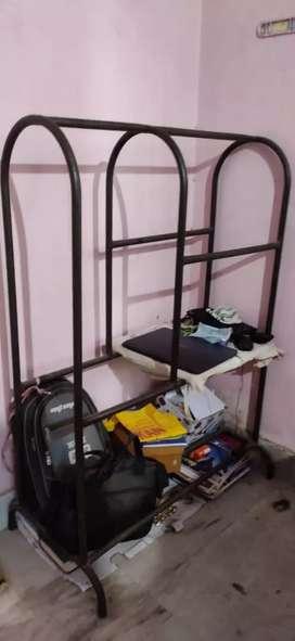 Steel hanger ideal for household use