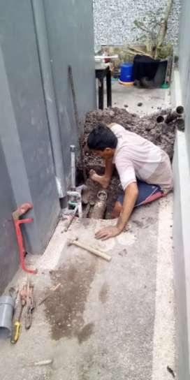 Tukang  pipa air/kran patah dan bangunan