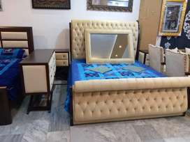 Royal styile bed with side tabl set
