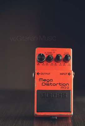 pedal stompbox boss mega distortion MD-2 efek gitar