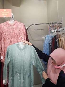 Dibutuhkan pramuniaga/jaga toko kebaya muslim