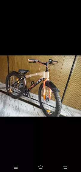 Cross cycle