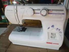 Sewing machine for sale at kaloor kathrikadavu