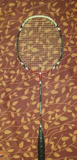 Raket Badminton tornado 900