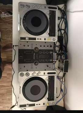 Pioneer DJ, CDJ 800 DJM 250 TRAKTOR Audio 6 & SPEAKER EDIFER