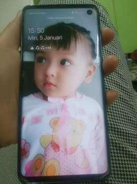 Handphone Samsung S10.