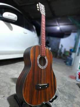 Gitar akustik keren