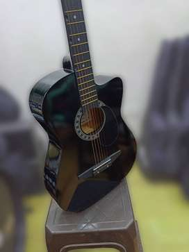 Brand new acoustic guitar combo offer with Begginer guitar classes pac