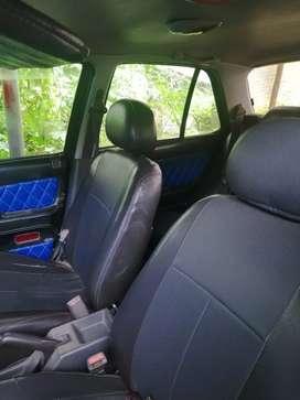 Mobil sedan timor