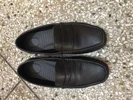 Black formal shoes in excellent condition