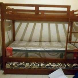 Tempat tidur  dewasa  3 tingkat.. Bahan jati