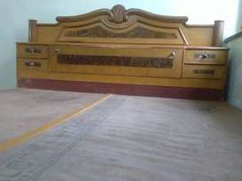Durable double bed of high quality wood
