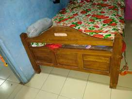 Double bed with box price is 8,000 and bed without box price is 15,00