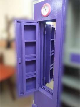 purble steel wardrobe with 80kg