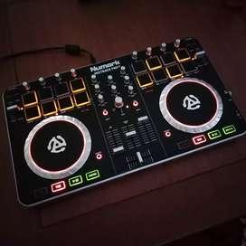 Alat DJ Controller numark mixtrack pro II / 2